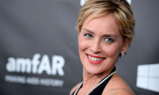 Sharon Stone promuove il buon ritocco