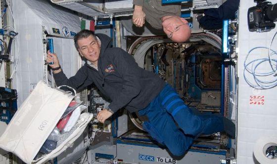 L'astronauta Nespoli e gli affetti dell'assenza di gravità