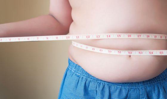 Bimbi sempre più obesi: sì a latte materno e miniporzioni