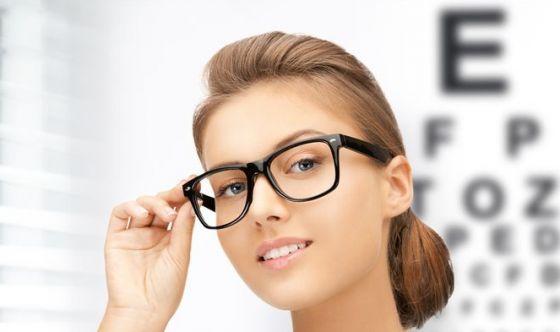 Se indossi occhiali da vista sei più intelligente