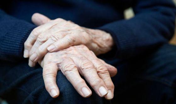 Guanti hi-tech per riconoscere il Parkinson in anticipo
