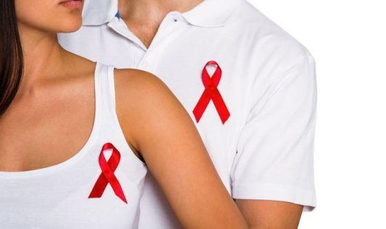 Se sai di avere l'HIV, informa il partner