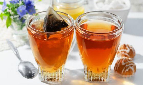 Molte bustine di tè rilasciano miliardi di microplastiche