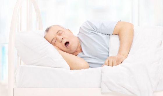 Come smettere di russare con i rimedi naturali