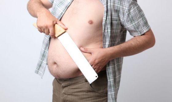 Uomini e bisturi: i pericoli di rifarsi gli addominali