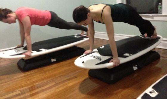 Surf Pilates, per portare la pratica ad un nuovo livello