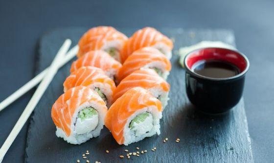 Cellulite e ritenzione: attenzione a sushi, seitan e soia