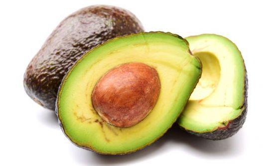 Per mantenersi in forma, meno carboidrati e più avocado