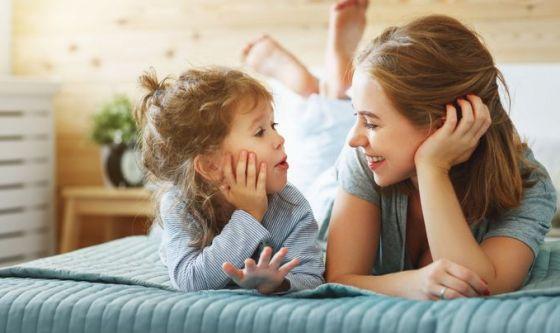 Un figlio da sola: l'86% delle monofamiglie poggia su di lei