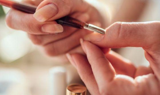 Manicure a regola d'arte, bastano dieci minuti