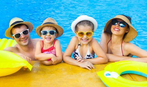 Viaggi e vacanze: il vademecum per future e neo mamme