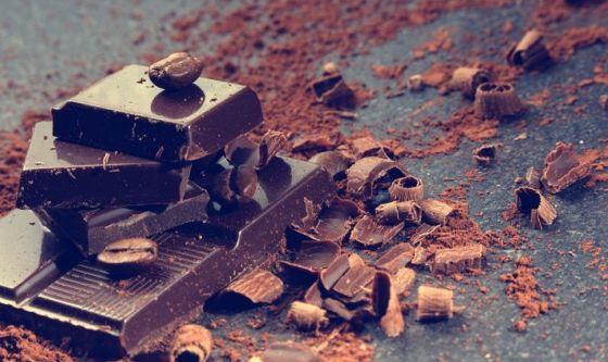 Cacao, acidi grassi e integratori per occhi sempre giovani