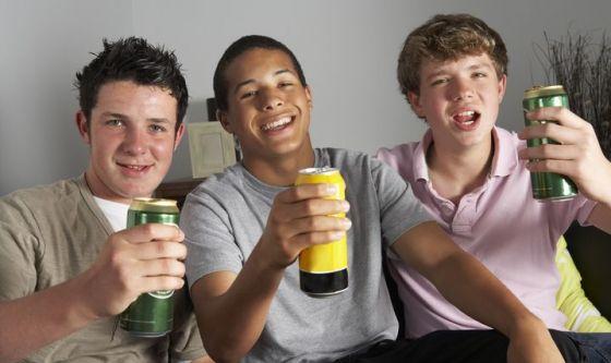 Il binge drinking fa male anche alla sessualità