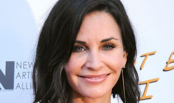Courtney Cox sceglie il lifting non chirurgico a ultrasuoni