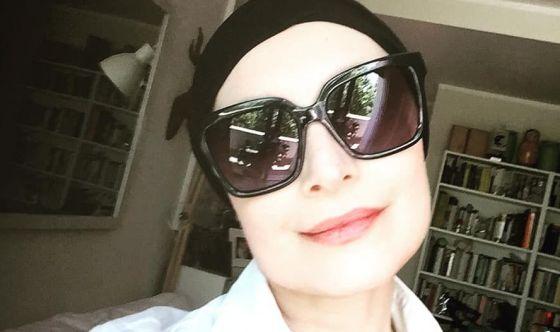 Sabrina Paravicini lotta contro il tumore e... le critiche