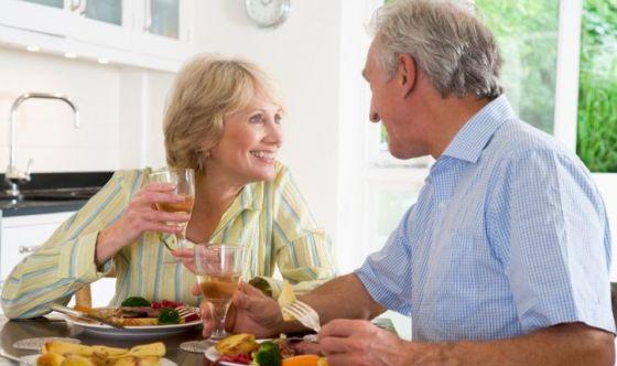 Tumori e terza età: l'importanza di stili di vita sani