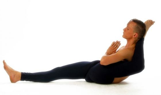 Yoga e posizioni acrobatiche: quali i limiti?