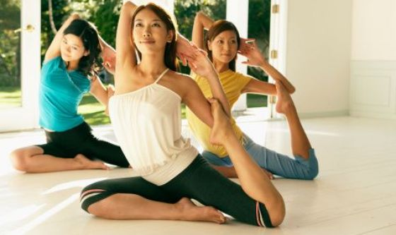 Imparare a staccare grazie allo yoga