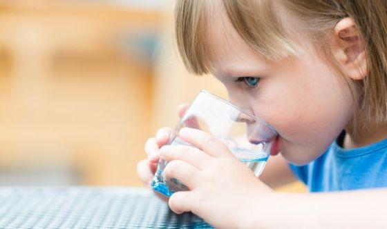 Mamma, ho sete: 10 cose da sapere su acqua e bimbi