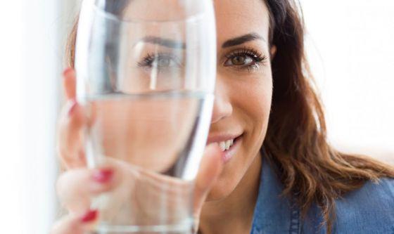 Acqua, il più semplice segreto di bellezza
