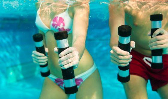 Acqua, ginnastica e musica: Acquagym