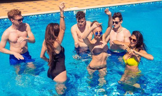 Wat hip hop: il ballo in piscina che fa rassodare