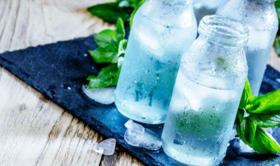 L'idratazione e la menta: supporti per la memoria