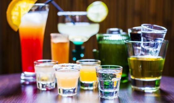 Abbuffarsi di alcol: i reni seriamente a rischio