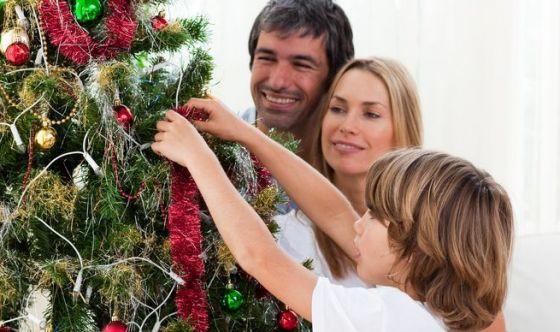Bimbi allergici: a Natale occhio al menù e all'albero