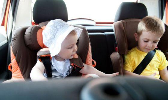 Bimbi in auto: conta fino a cinque!