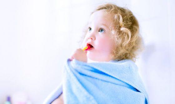 Bimbi: regole salva-denti per le vacanze