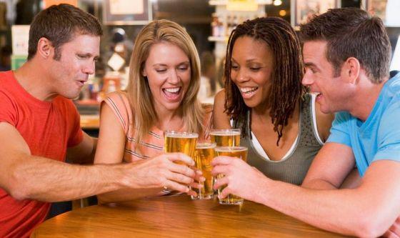 Bere birra aumenta l'empatia