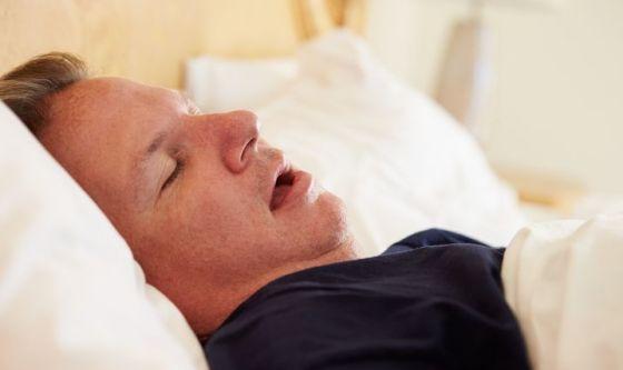 Rischio carie se si russa o si dorme a bocca aperta