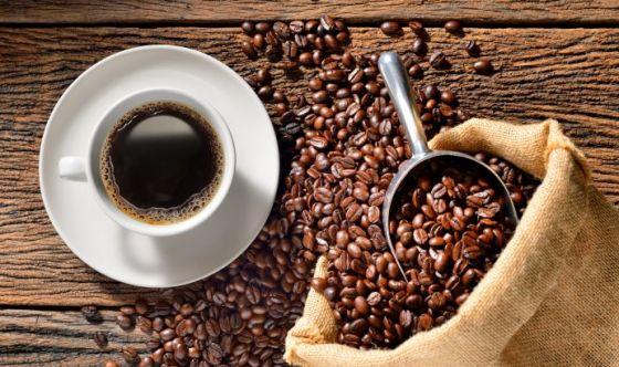 Perché il caffè prima di dormire provoca insonnia?