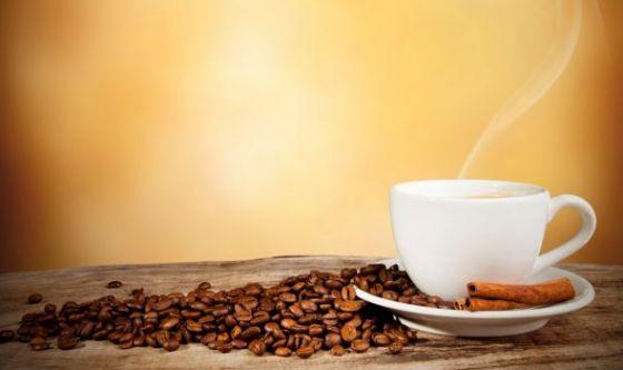 La caffeina peggiora le vampate di calore