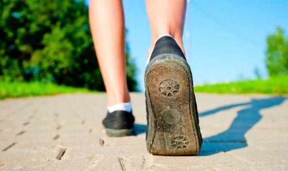 Camminare 20 minuti al giorno per combattere il cancro
