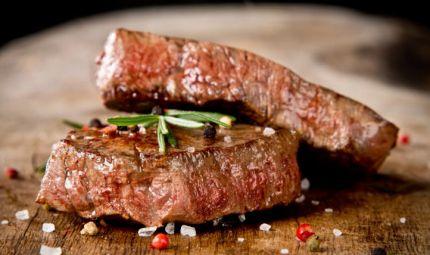 La carne rossa può aumentare il rischio di cancro al seno