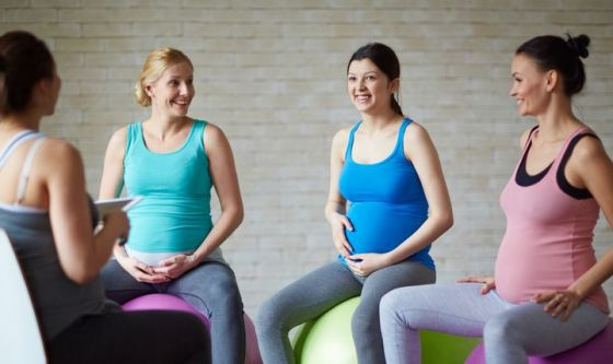 Over 40 e under 25: i due volti contrapposti della maternità
