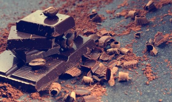 Cioccolato fondente: lo snack che risveglia il cervello