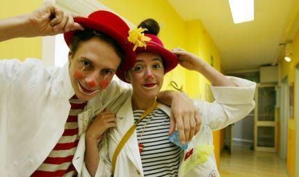 Clown, animali e orto in ospedale
