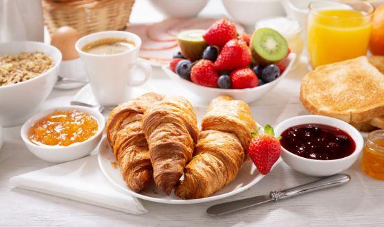 Chi salta la colazione è a corto di importanti nutrienti