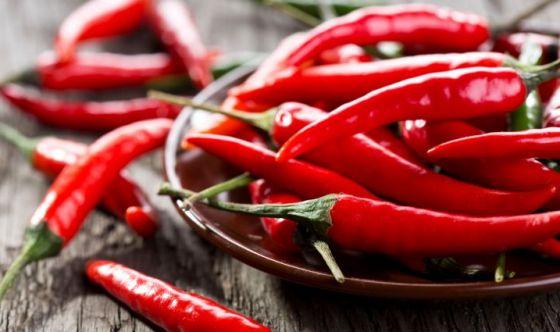 Combattere il caldo mangiando peperoncino