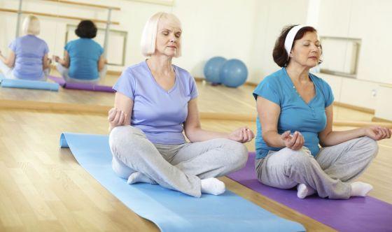Combattere la demenza con gli esercizi olistici