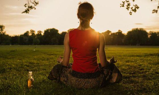 Come idratarsi prima e dopo lo yoga