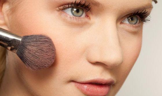 Cosmetici: sai cosa ti spalmi?