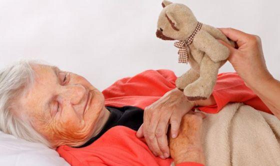 Tutelare gli anziani affetti da demenza: i consigli SIN