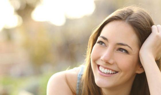 Sorriso giovane e brillante: 5 suggerimenti