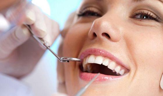 Denti  sani fino a 100 anni con il dental coach