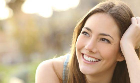 Latte, spinaci e mele per un sorriso sano e smagliante