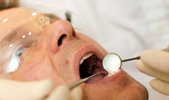 Il diabete rovina denti e gengive: è provato
